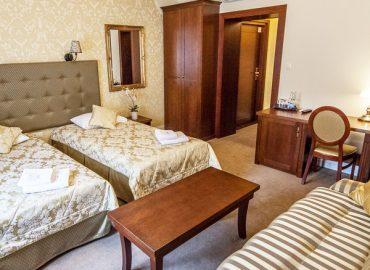 apartament 3 osobowy rzeszów hotel fryderyk 1
